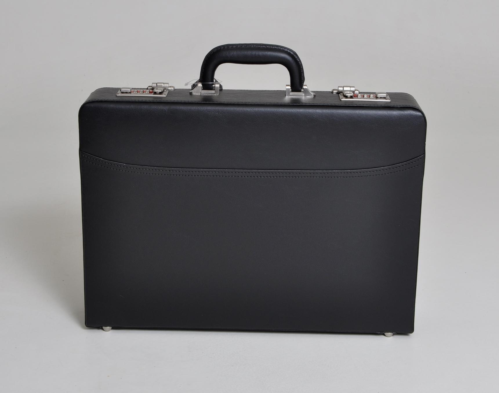 Atache kufr Silvercase 033 černý