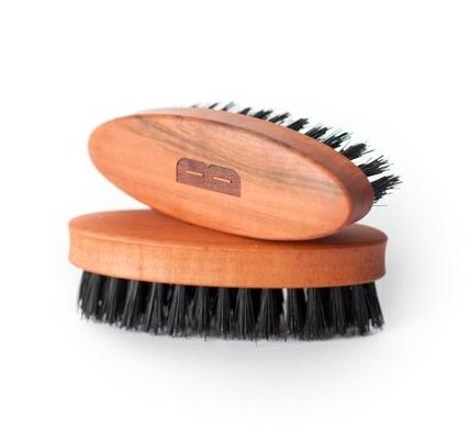 BSC kartáč na vousy z hruškového dřeva