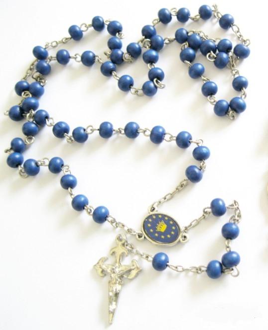 Růženec s modrými perlami