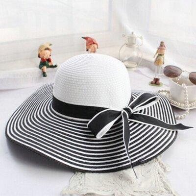 7182ae5e815 Dámský klobouk Miranda proužkovaný černo-bílý